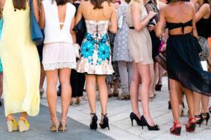 Šaty na svatbu jako host - ženy   Svatba na zámku